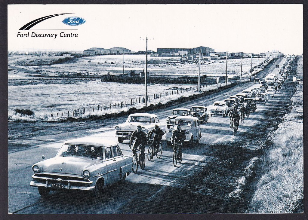 Ford employees leaving the Geelong factory via the Melbourne Road.