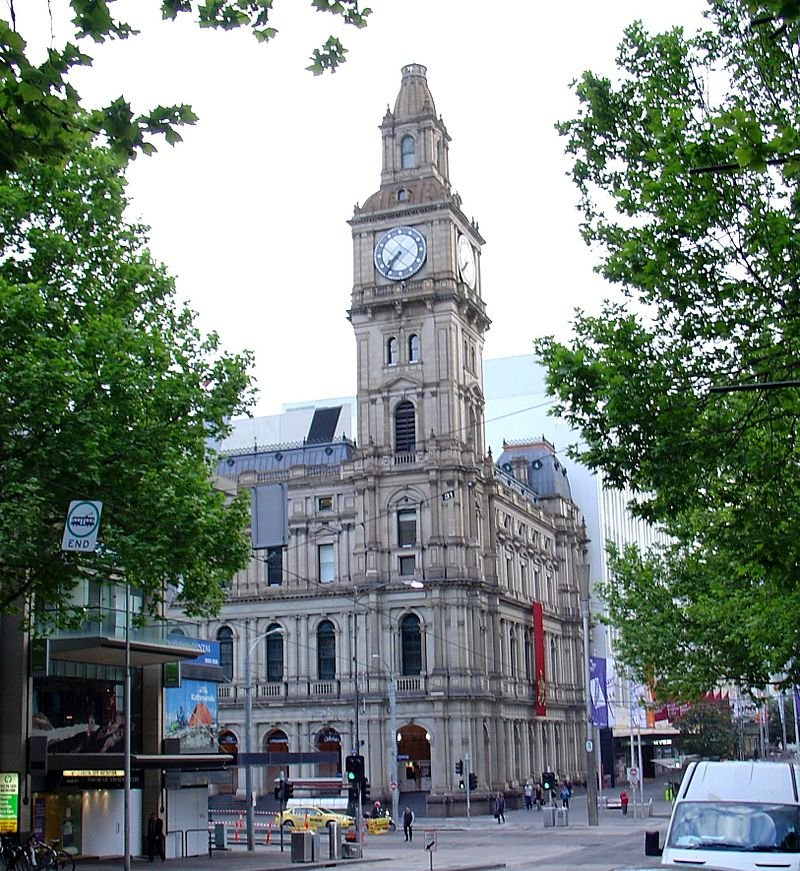 Old Melbourne GPO 2013 from Bourke Street